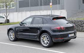 porsche macan 2019 porsche macan facelift u0027s biggest secret could be full width