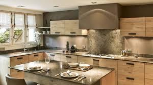 la cuisine fran軋ise meubles ordinary cuisine en bois naturel 1 meubles de cuisine entièrement