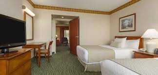 Nearest Comfort Suites Embassy Suites Tampa Usf Hotel Near Busch Gardens