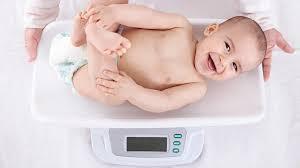 siege auto 4 mois poids de bébé mois par mois magicmaman com