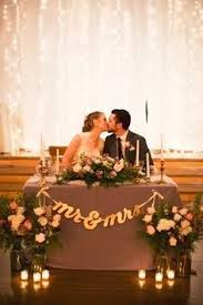 bride and groom sweetheart table 3 arrangement styles for your head table wedding reception forum