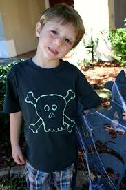 Boys Halloween T Shirts by Two Diy Halloween T Shirts For Kids Run Dmt