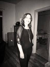 amy allen from the dead files looking pretty and goth amy allan