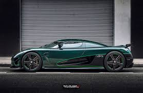 green carbon clad koenigsegg agera s side view carbon fiber