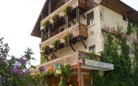 chambres d hotes talloires 74 logis la charpenterie hôtel à talloires avec vue sur le lac d