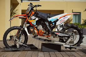 dc motocross gear robbie maddison s dirt bike surfing stunt in dc shoes film pipe