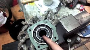 fixing another oil leak on the toyota ae86 transmission input