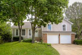 olathe homes for sale just listed at 12305 s fox ridge