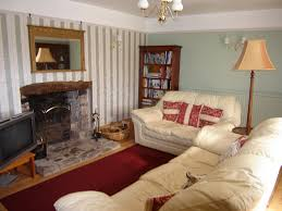Living Room Small Decor And Decorations Cozy Small Sitting Room Decor With Beige Leather