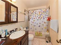 Messy Bathroom 177 Best Bad Real Estate Photography Images On Pinterest