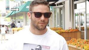 the edelman haircut julian edelman rocks t shirt bearing photo of shirtless rob