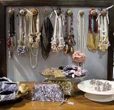 Jewelry Storage Solutions 7 Ways - 133 best jewelry storage ideas images on pinterest booth