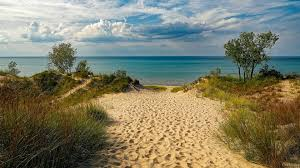 Michigan lakes images Lake michigan 58 000 km2 depth map fishing beaches vacation jpg