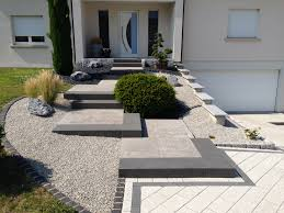 idee parterre devant maison amenagement parterre exterieur top with amenagement parterre