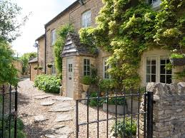 cotswolds cottage quintessentially cotswold beautiful cotswold cottage 6522391