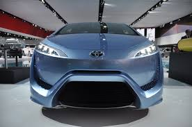 hydrogen fuel cell car toyota detroit auto show 2013 why is toyota is the only company