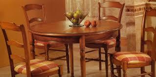 table de cuisine chaise table de cuisine ronde chene et chaises assorties le luc les