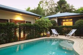 Beach House Backyard Book Cavvanbah Beach House In Byron Bay Hotels Com