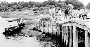 Chappaquiddick Ted Today In Photo History 1969 Ted Kennedy Escapes Chappaquiddick