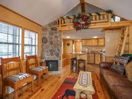 cozy tiny cabin with loft fireplace minut vrbo