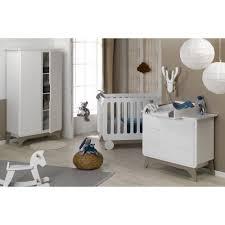 chambre bebe blanc chambre bébé essentielle blanc victblck02