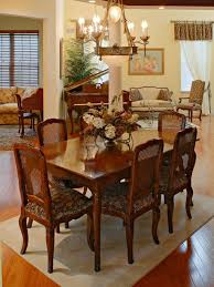 plan properly to make your thanksgiving table special