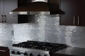 mosaique cuisine credence credence de cuisine en mosaique inox brosse modele brique