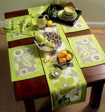 oh i m soooo on this napkins placemats table runner table