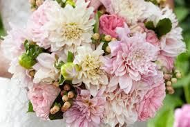 wedding flower the 7 wedding flower trends of 2018 interflora