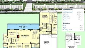 Faxon Farmhouse Plan 095d 0016 Farmhouse House Plans Farm House Plans Professional Builder Luxamcc