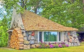 Hobbit Hole Washington by Budget Travel 14 Spectacular