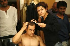 aamir khan hair transplant ghajini aamir khan at the barbershop