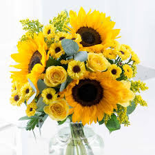 sunflower bouquets sunflowers sunflower bouquets free uk delivery flying flowers
