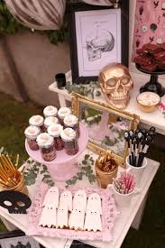 Best 25 Gothic Party Ideas by Best 25 Pink Halloween Ideas On Pinterest Pink Halloween