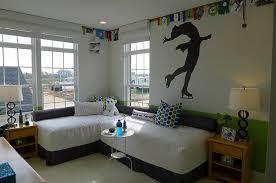 twelve sensible ways to put your bedroom corner space to use
