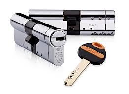garage door key lock garage door locks u0026 garage door spares locks u0026 keys