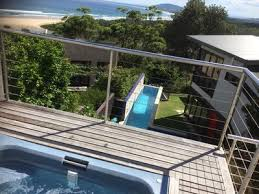 Wollongong Beach House - nsw accommodation for large groups from stayz