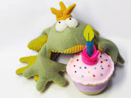 free felt cup cake pattern and photo tutorial funky friends factory