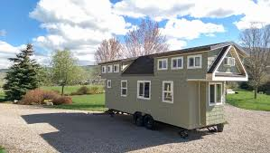 the 200 sq ft family tiny home tiny house town