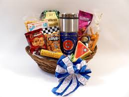 chicago gift baskets chicago cubs gift basket snacks cubs travel tumbler