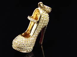 14k yellow gold designer red bottom heel shoe diamond pendant