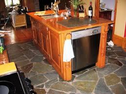 fabriquer un comptoir de cuisine en bois fabrication meuble sur mesure ébénisterie bois spécial besoin