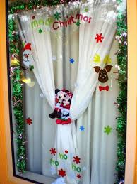 How Long Does Disney Keep Christmas Decorations Up - 30 best disney tips images on pinterest disney window decoration