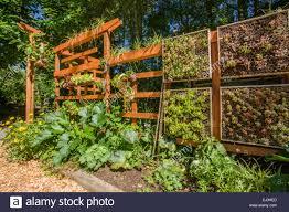 vertical veg garden