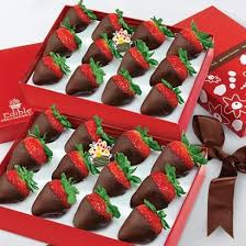 edible photo chocolate dipped strawberries box bundle edible arrangements