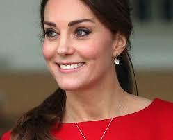kate middleton earrings kate middleton s jewellery box how to dress like a duchess heart