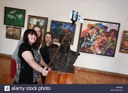 ryazan russia 18th jan 2017 girls take a selfie by paintings