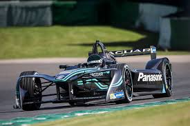 a formula e driver explains what it u0027s like to drive an electric