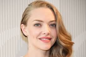 kate upton pics leaked amanda seyfried demands leaked nude photos be removed online the