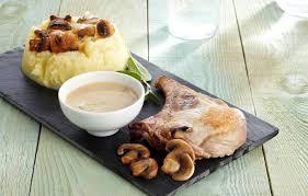 cuisiner cote de porc côte de porc aux chignons et purée de pommes de terre maggi